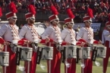 Marching drums online via much-music.nl